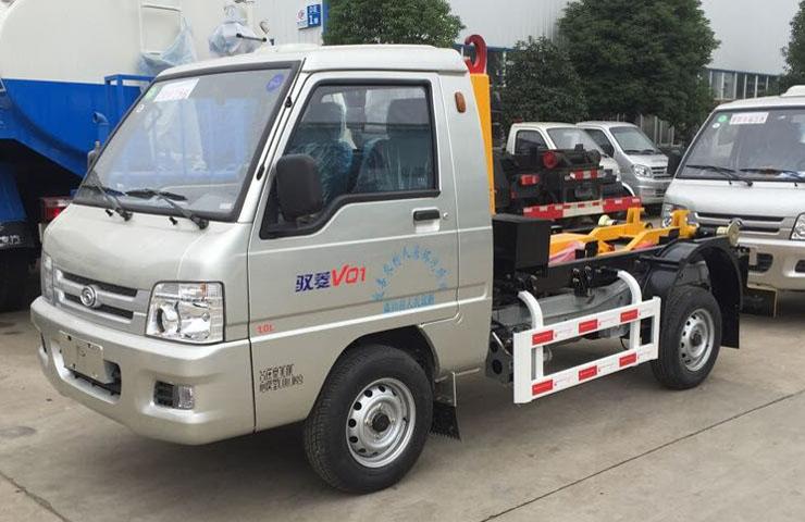 福田驭菱拉臂式垃圾车