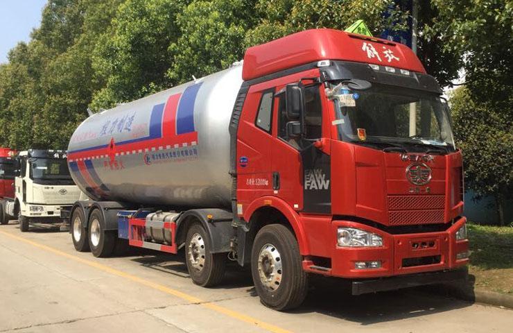 液化气运输车
