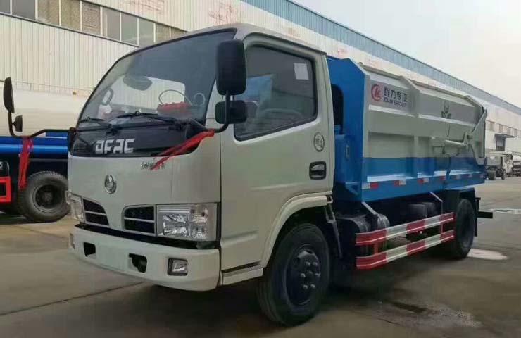 东风小霸王侧装压缩式垃圾车