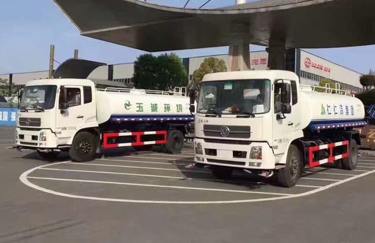 东风天锦多功能洒水车