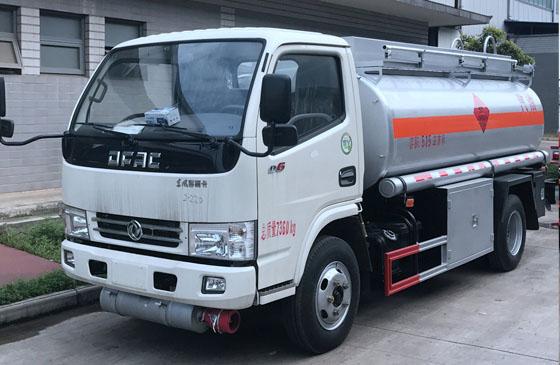 东风多利卡加油车(国五加油车)