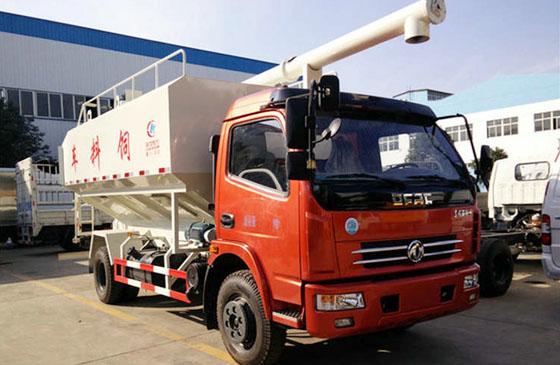 东风大多利卡6吨散装饲料运输车