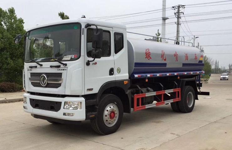 东风D9多利卡14吨洒水车