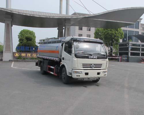 东风多利卡食用油运输车