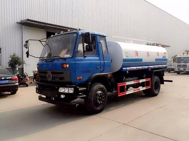 东风15吨洒水车 配高清洒水作业图