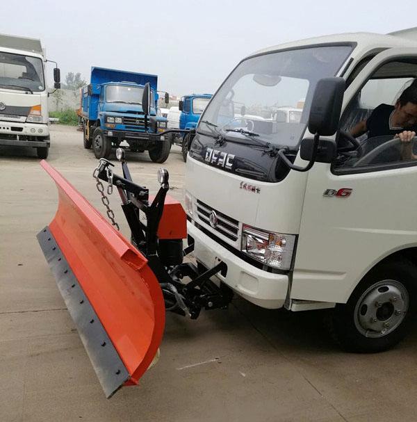 东风小多利卡扫路车加装除雪设备.jpg