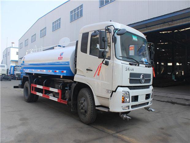 东风天锦12吨洒水车正面图片1.jpg