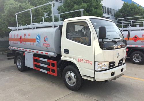 东风小多利卡5.5-6.3立方加油车图片2.jpg