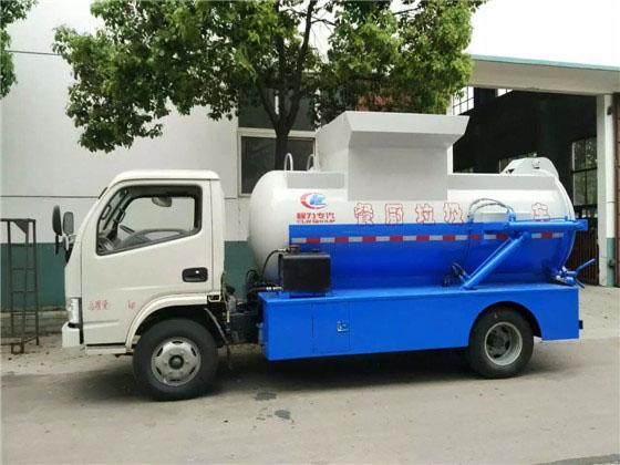 东风福瑞卡餐厨式垃圾车侧面图片2.jpg