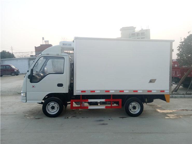 江淮3.2米冷藏车侧面图片2.jpg