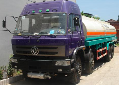 解放J6前四后八散装水泥运输车(国三)