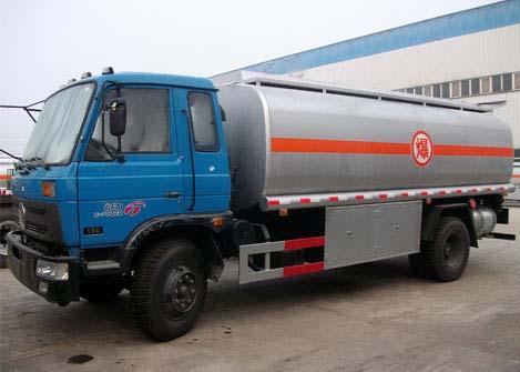 东风145运油车